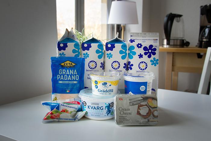 assortiment produits laitiers suedois